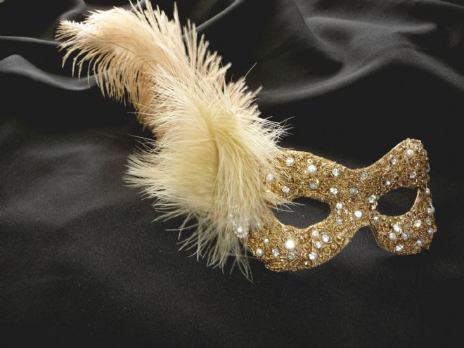 Baroque style gold feathered filigree eye with Genuine Pearls a